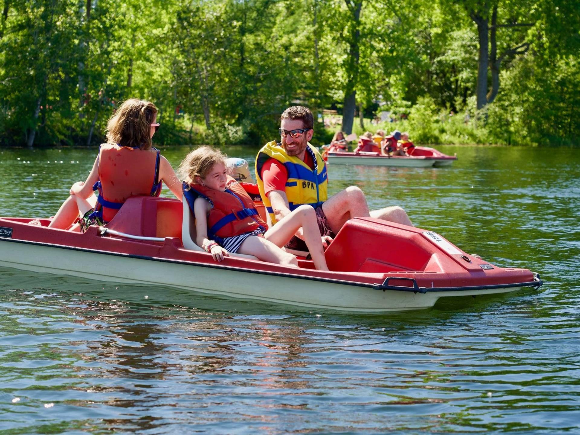 Du kayak en famille à la base de plein air de Ste-Foy