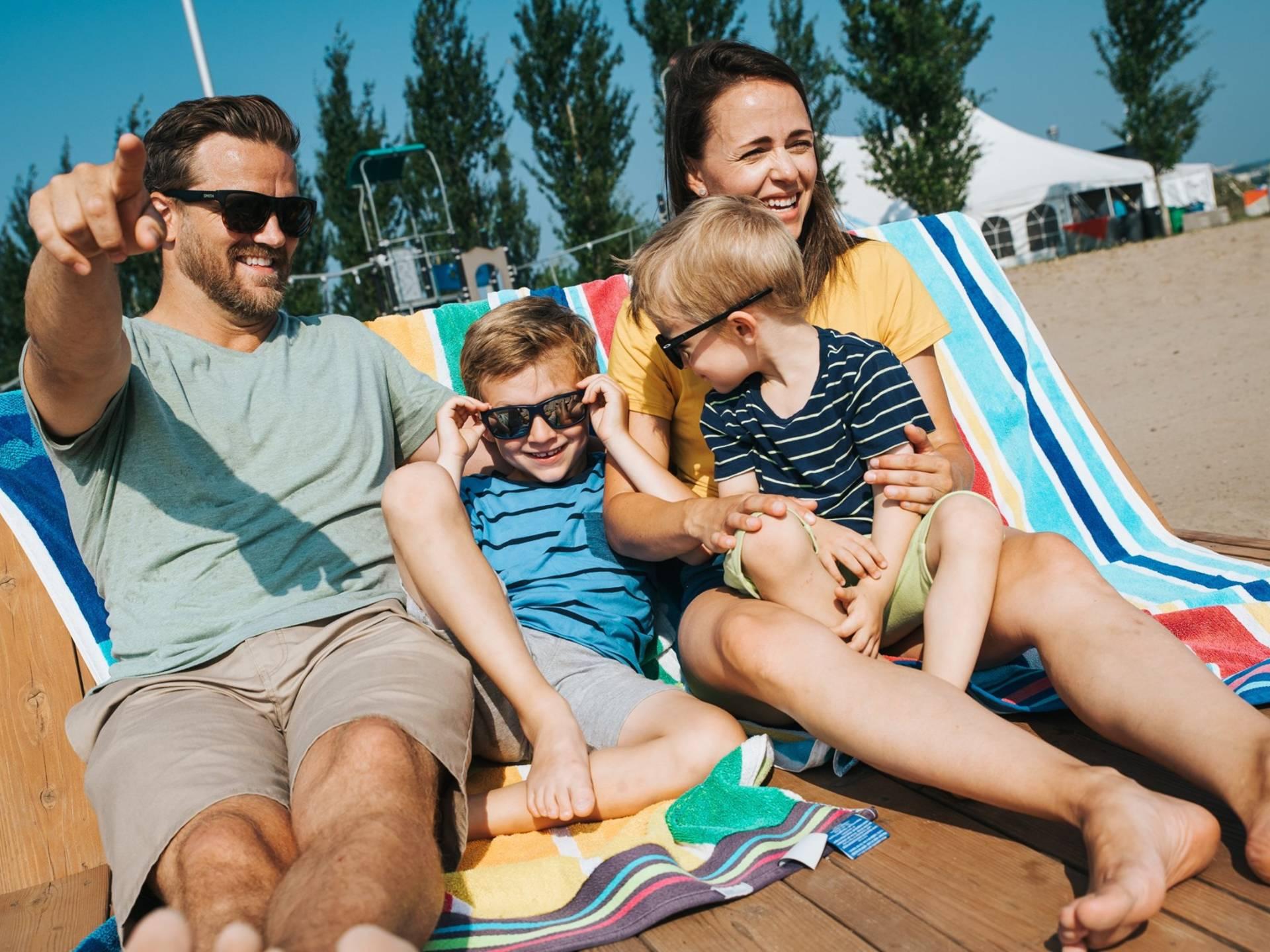 Une famille à la Baie de Beauport